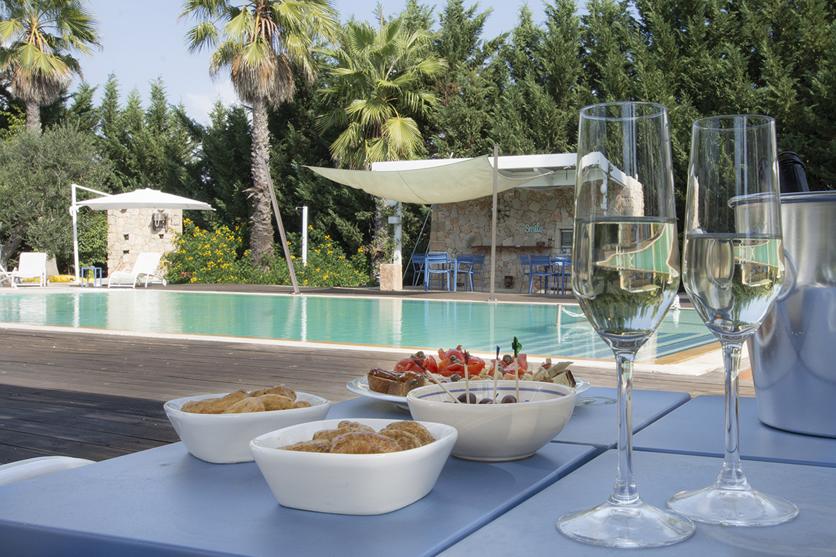 LA_TOFALA_aperitivo_piscina_2