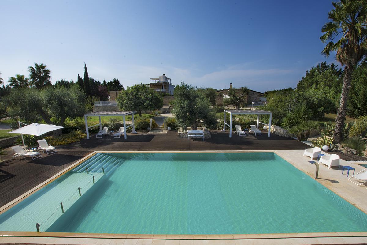 LA_TOFALA_piscina_verso_masseria